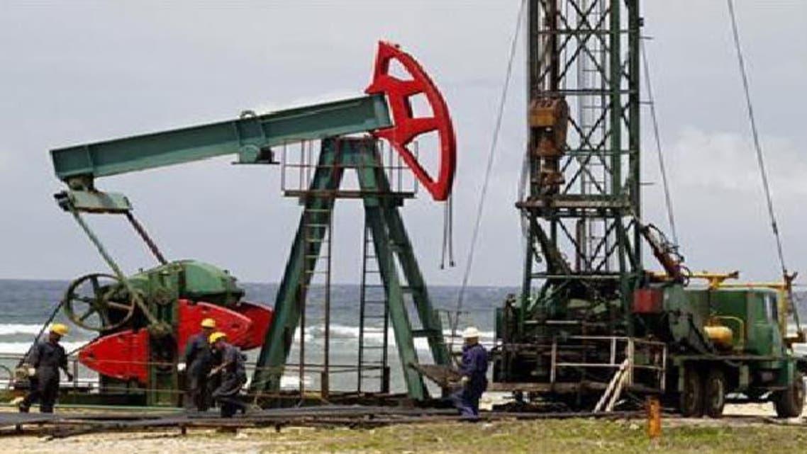 أسواق النفط الخام تشهد ضعفاً في الطلب