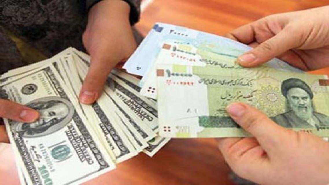 العقوبات الغربية كبدت العملة الإيرانية أكثر من 50% من قيمتها