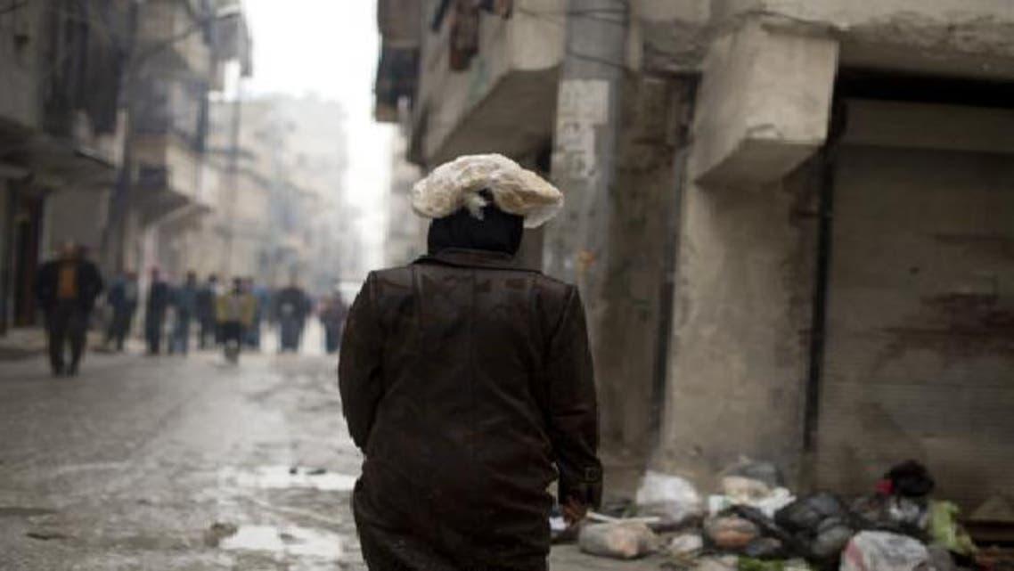 الخبز في سوريا.. يصنع من مواد فاسدة ويباع في السوق السوداء
