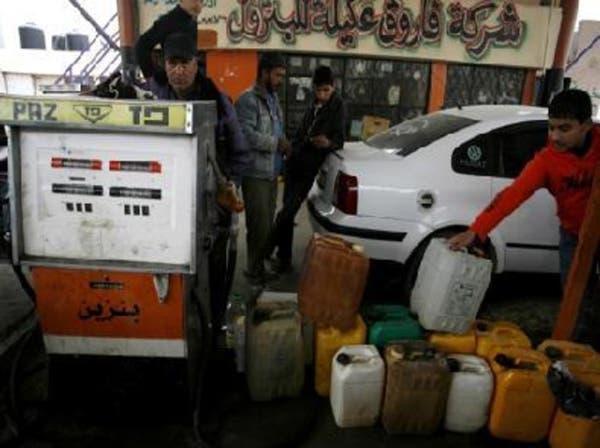 أزمة حادة في الوقود تعصف بسائقي قطاع غزة
