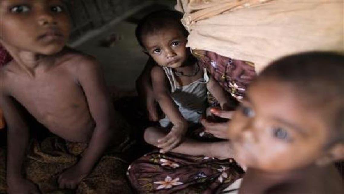 میانمار میں بدھ متوں کے حملوں کے بعد بے گھر ہونے والے روہنگیا بچے ایک کیمپ میں مقیم ہیں