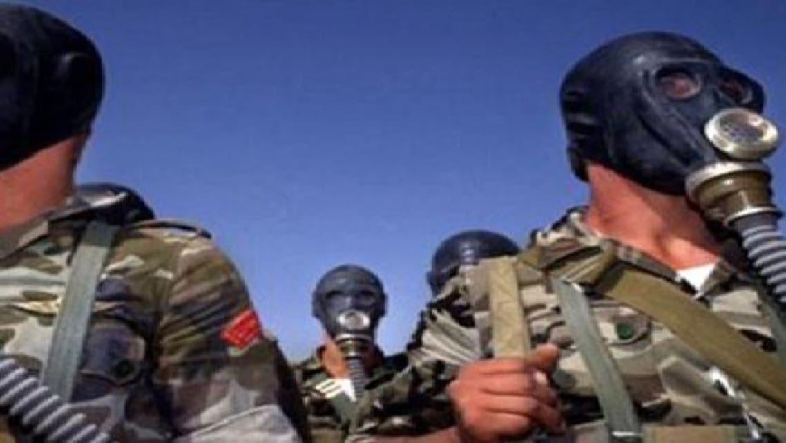 مسؤولون أمريكيون: الأسد يزود طائراته بغاز السارين القاتل