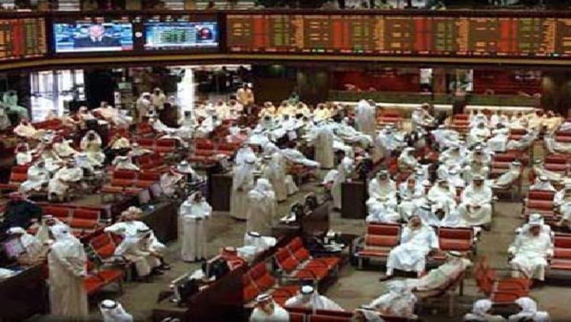 الاضطرابات السياسية تشكل ضغطاً كبيراً على الأسهم الكويتية