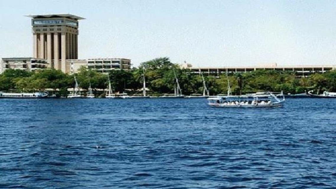 \\الري\\ تعلن تطهير نهر النيل بأسوان من بقعة الزيت
