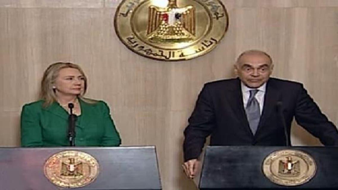 مصری وزیر خارجہ محمد کامل عمرو نے اپنی امریکی ہم منصب ہلیری کلنٹن کے ساتھ مشترکہ نیوز کانفرنس میں جنگ بندی کا اعلان کیا ہے