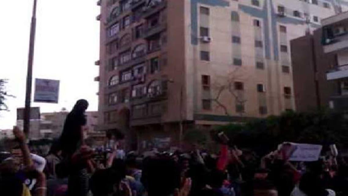 مظاهرات أمام منزل الرئيس محمد مرسي بمدينة الزقازيق
