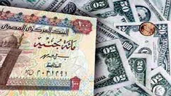 رفع سعر الدولار لـ 17 جنيهاً-عودة السوق السوداء بمصر