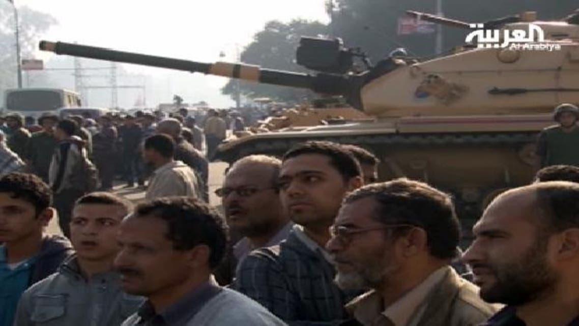 قصر الاتحادیہ کے اردگرد ٹینکوں کی موجودگی