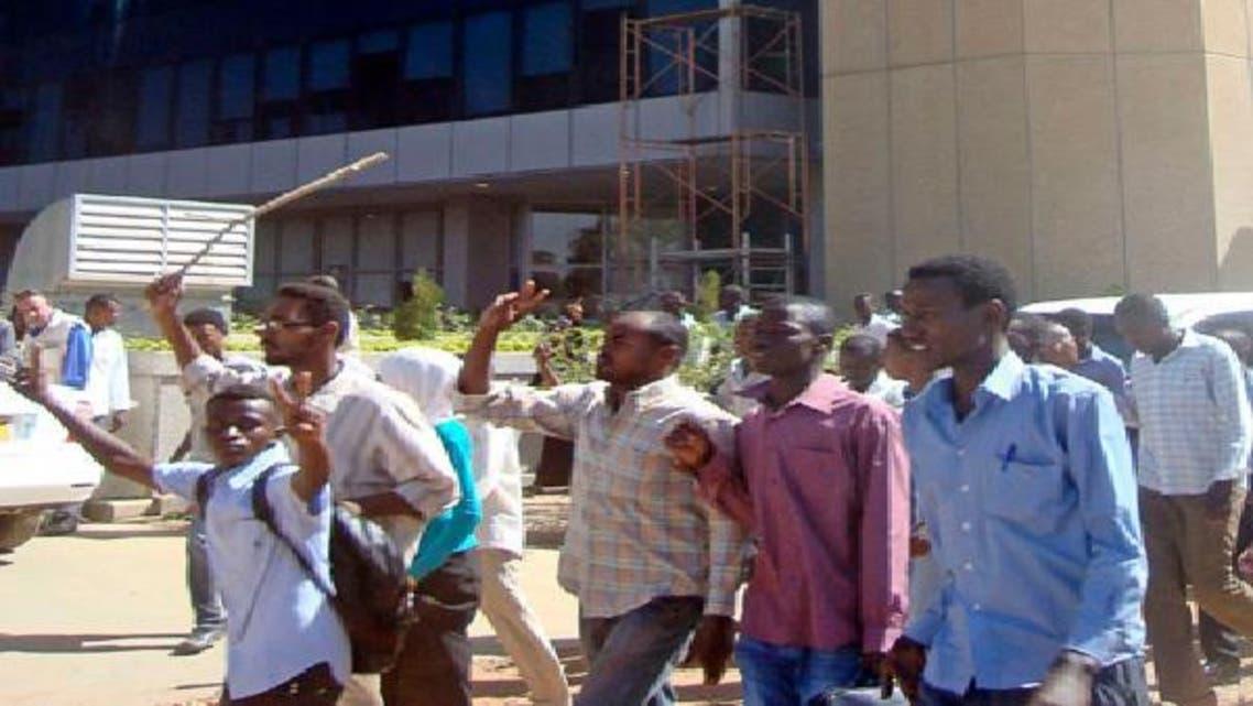 سقف المطالب يرتفع في السودان بعد مقتل 4 طلاب