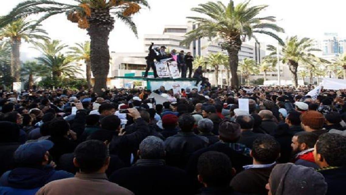 مظاهرات في مدن تونسية ضد الإضراب العام
