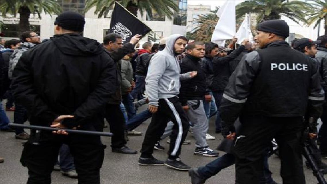 تونس تعتقل عناصر سلفية مسلحة وتصادر مواد خطيرة