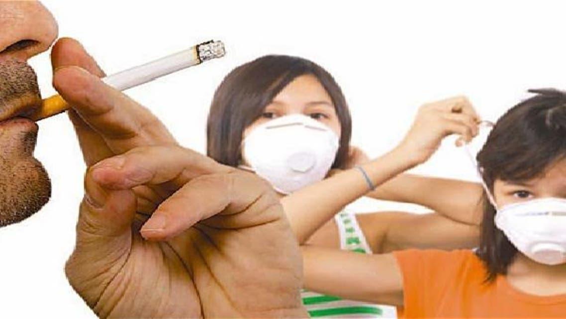تجنب التدخين السلبي يقي من الأزمات القلبية