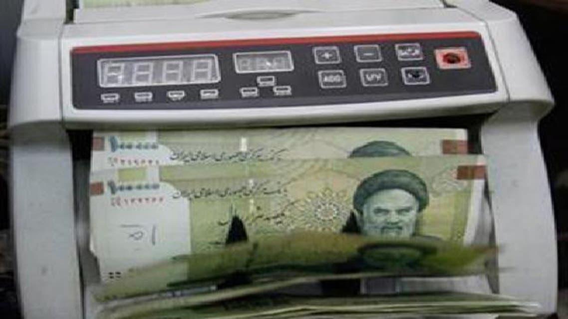 الريال الإيراني يهوي 9% مسجلا أدنى مستوى في تاريخه