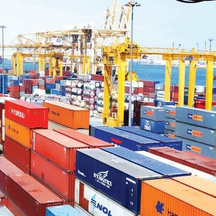 """رئيس """"موانئ دبي"""": لا نهاية في الأفق لاضطرابات الشحن البحري"""