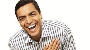 أمريكي مُلاحق بتهمة الضحك بصوت عالٍ