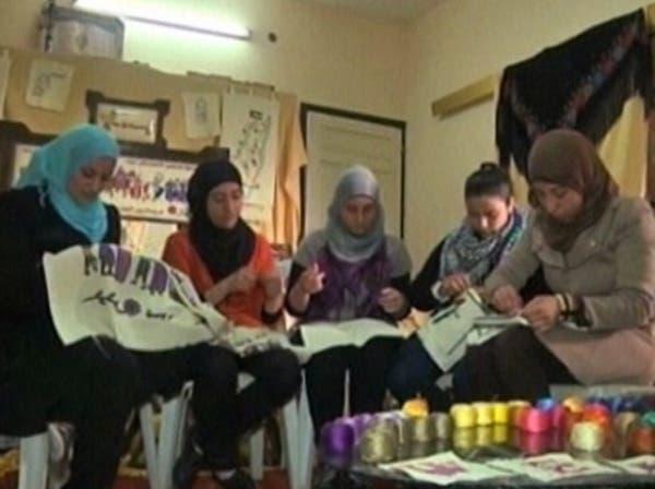 يوم المرأة.. جزائريات يلتحقن بالأمن وفلسطينيات يصدّرن التراث