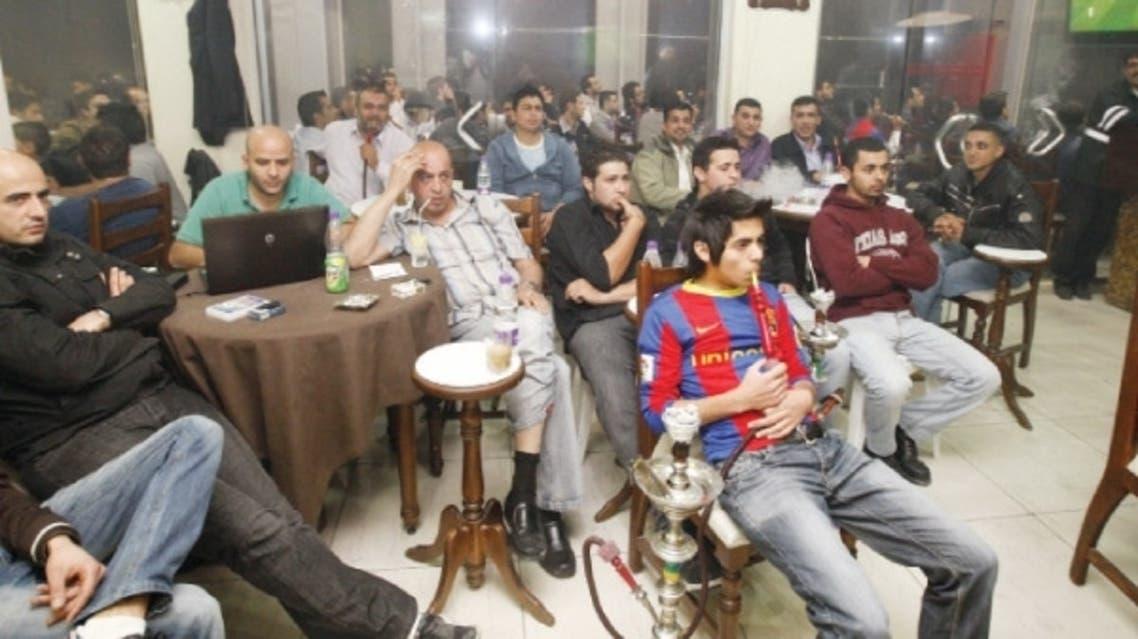 مقاهي العراق تعج بالمشجعين خلال مباريات ريال مدريد وبرشلونة