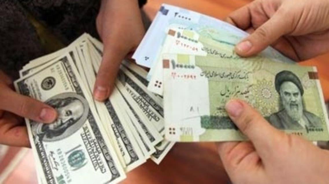 تومان إيراني ودولارات