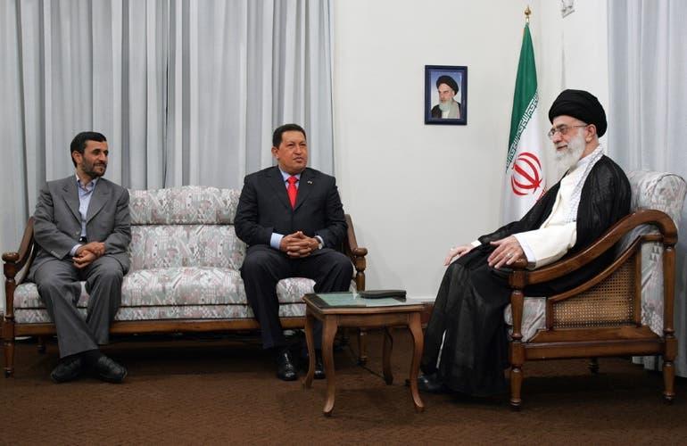 ملاقات چاوز با رهبر ایران با حضور احمدی نژاد