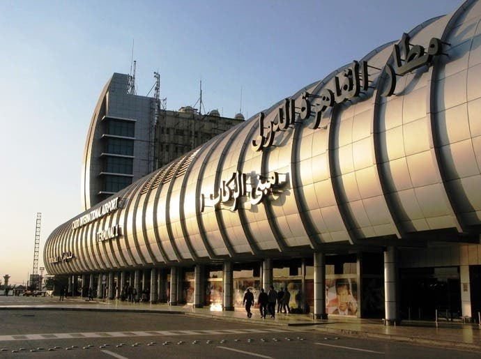 مصر تمدد تعليق حركة الطيران لأسبوعين بدءاً من أبريل