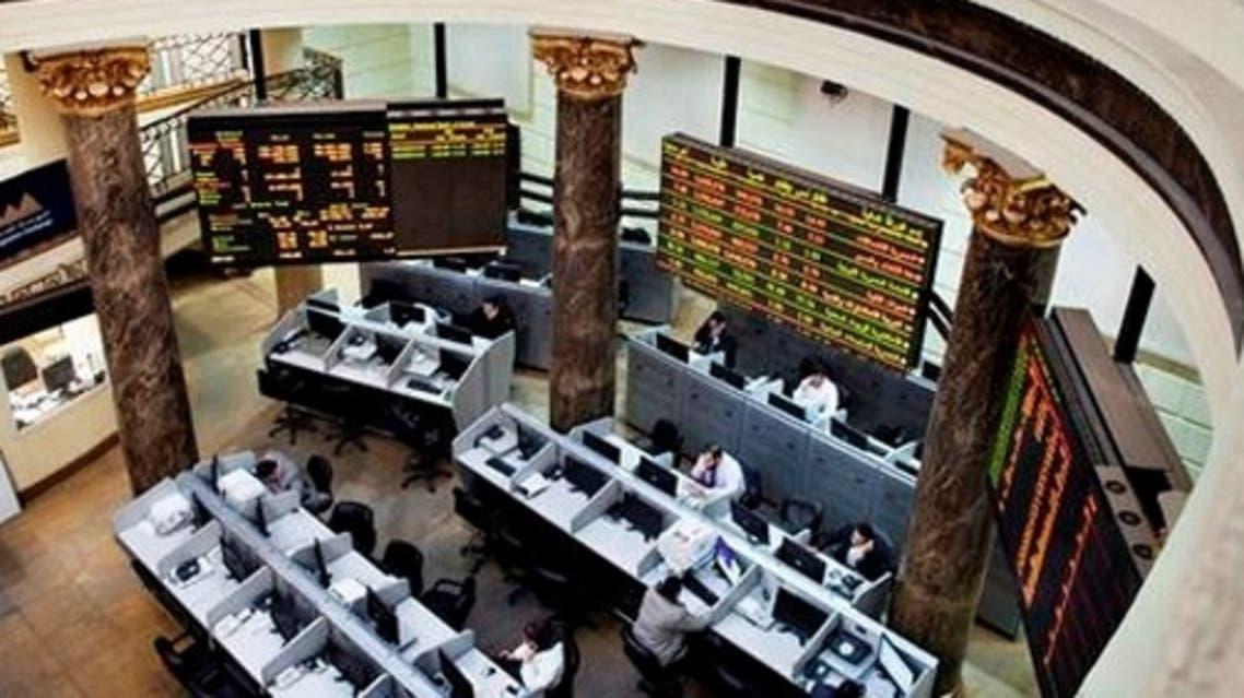 بورصة مصر تتراجع في ظل الاجواء المشحونة