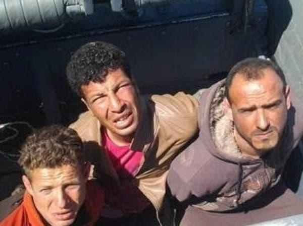 توقيف 3 غطاسين مصريين بتهمة قطع كابل بحري للإنترنت