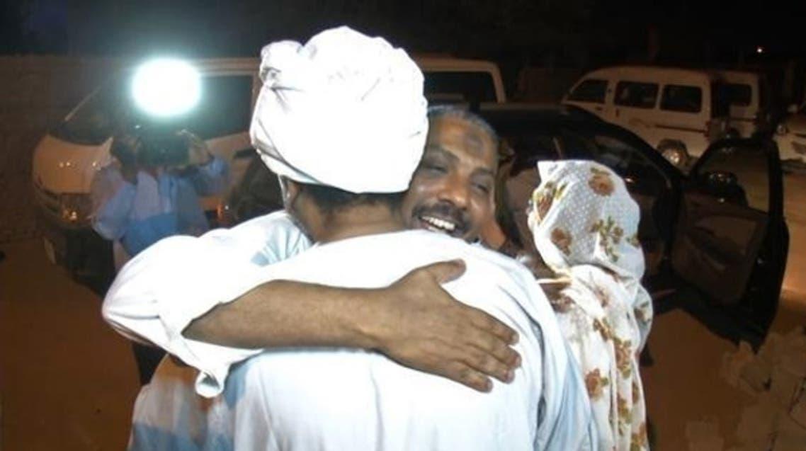 الإفراج عن معتقلين سياسيين