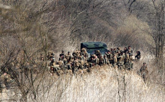 عناصر من الجيش الأمريكي تنتشر في المنطقة المنزوعة السلاح بين الكوريتين