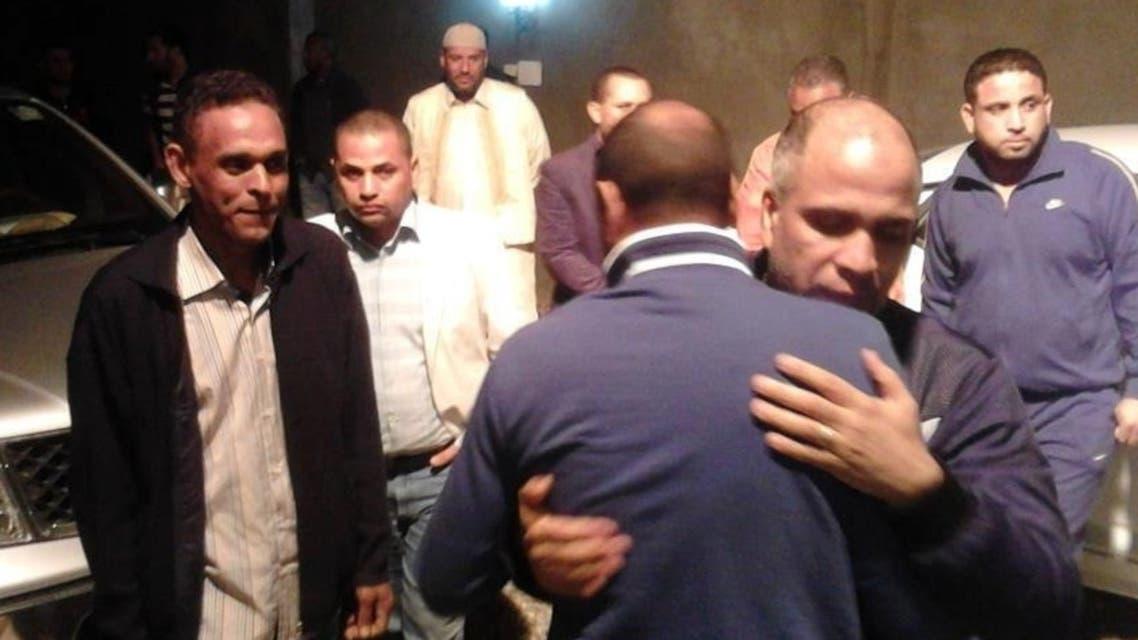 لحظة إطلاق سراح محمد علي القطوس
