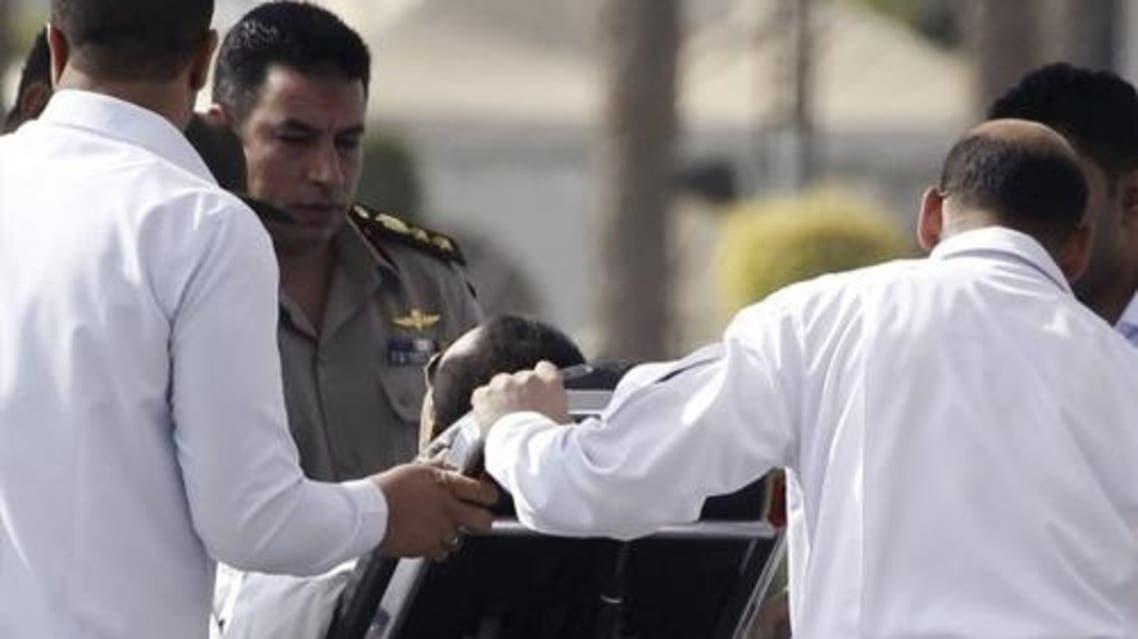 مبارك يعود للمستشفى