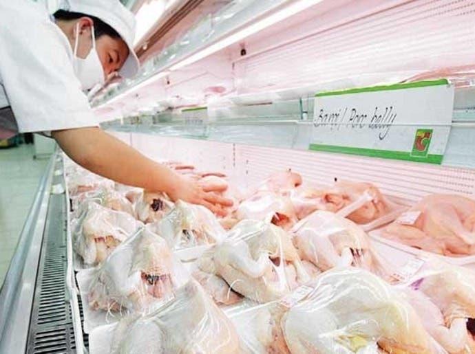 """مصادرة 5 آلاف دجاجة """"مجمدة"""" في مكة المكرمة"""