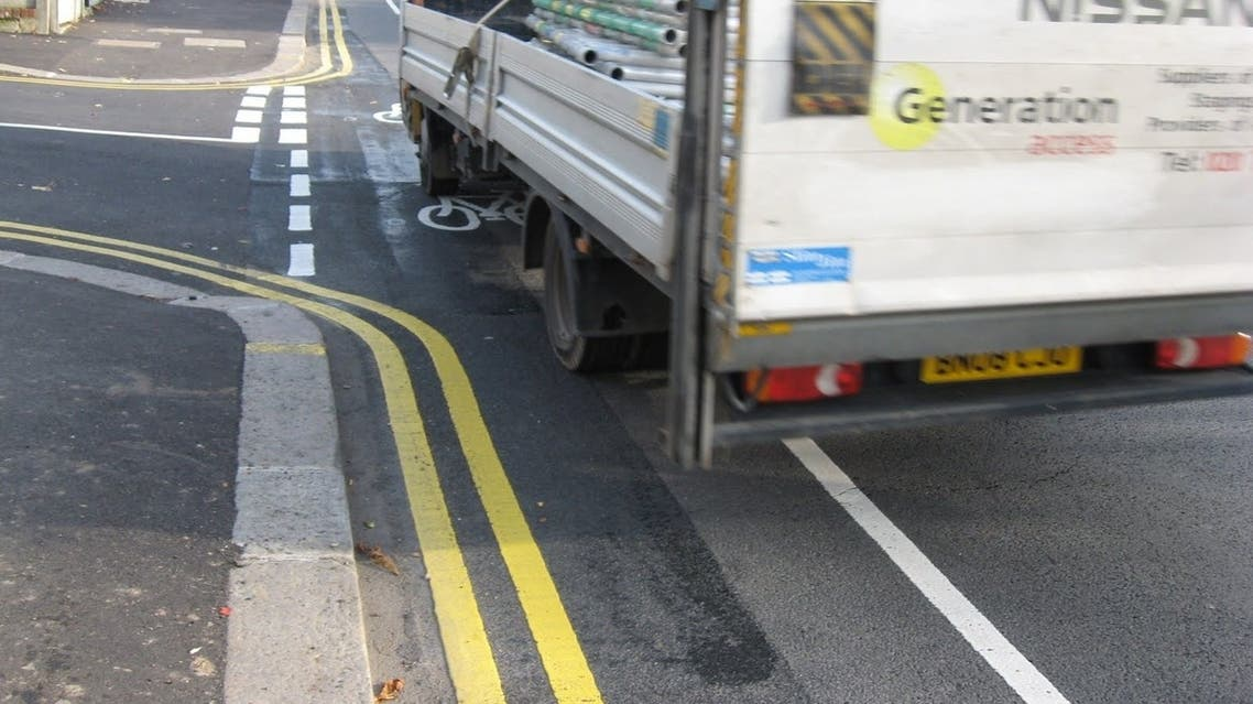 نظام في لندن للفت انتباه سائقي الشاحنات الى الدراجين