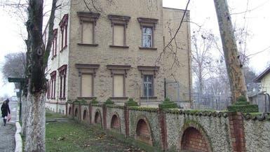 تجربة سياحية فريدة: الإقامة في فندق بأحد سجون صربيا