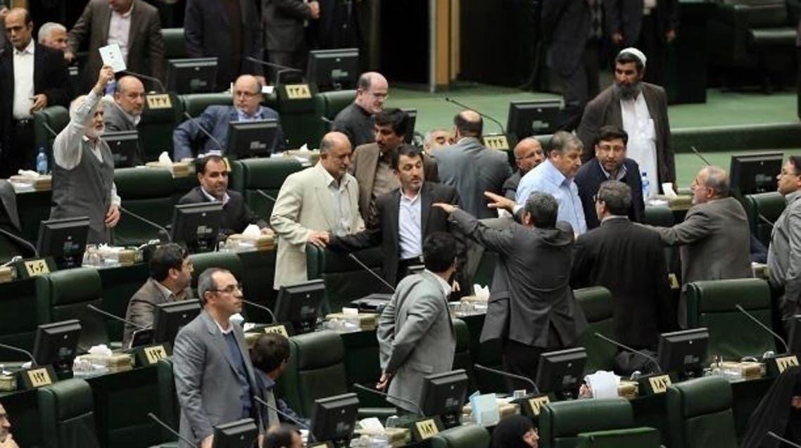 نمایندگان مجلس ایران ، رئیس جمهور را به برپا کردن بلوا، خالی بندی و رفتار غیرقانونی متهم کردند