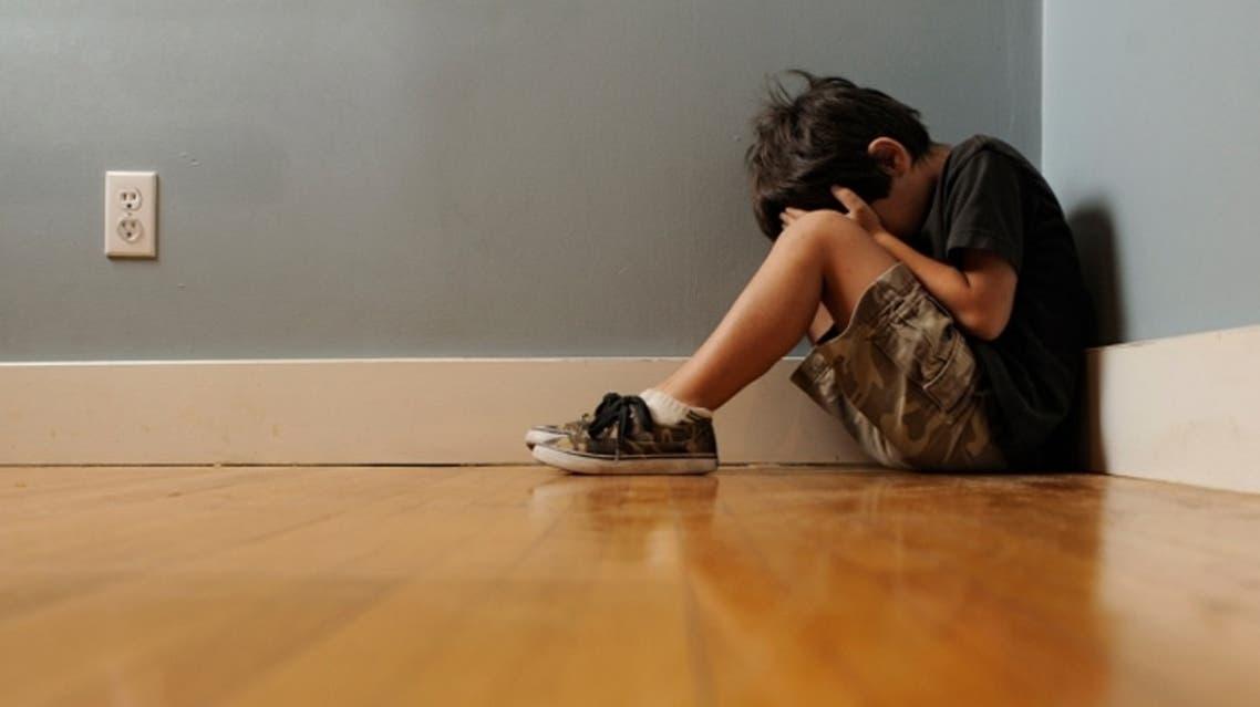 طفل مصاب بمرض التوحد