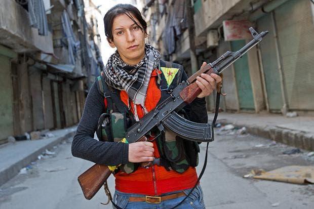 كرديات يشكلن أول خلية نسائية لقتال الأسد
