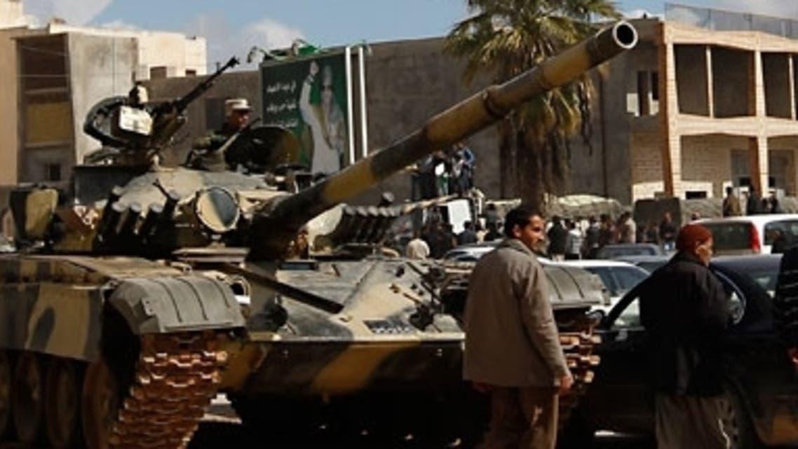 دبابة تابعة للجيش الليبي في أحد شوارع طرابلس