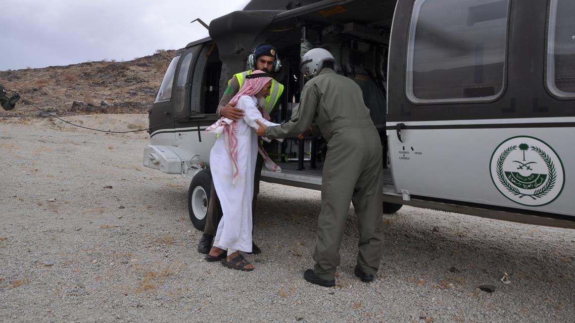 إنقاذ المتضررين من السيول في السعوديىة بطائرات القيادة العامة لطيران الأمن