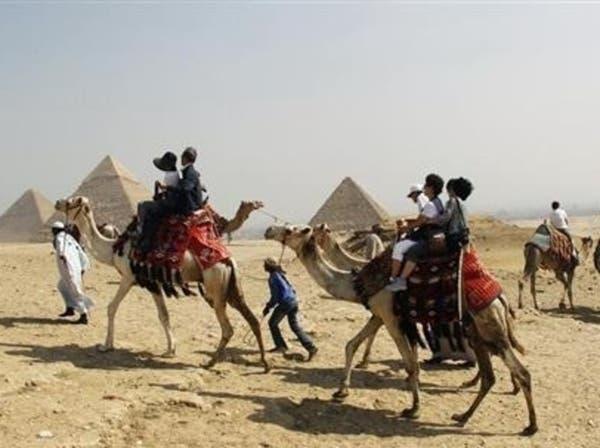 إحجام البنوك عن التمويل يفاقم تحديات السياحة المصرية