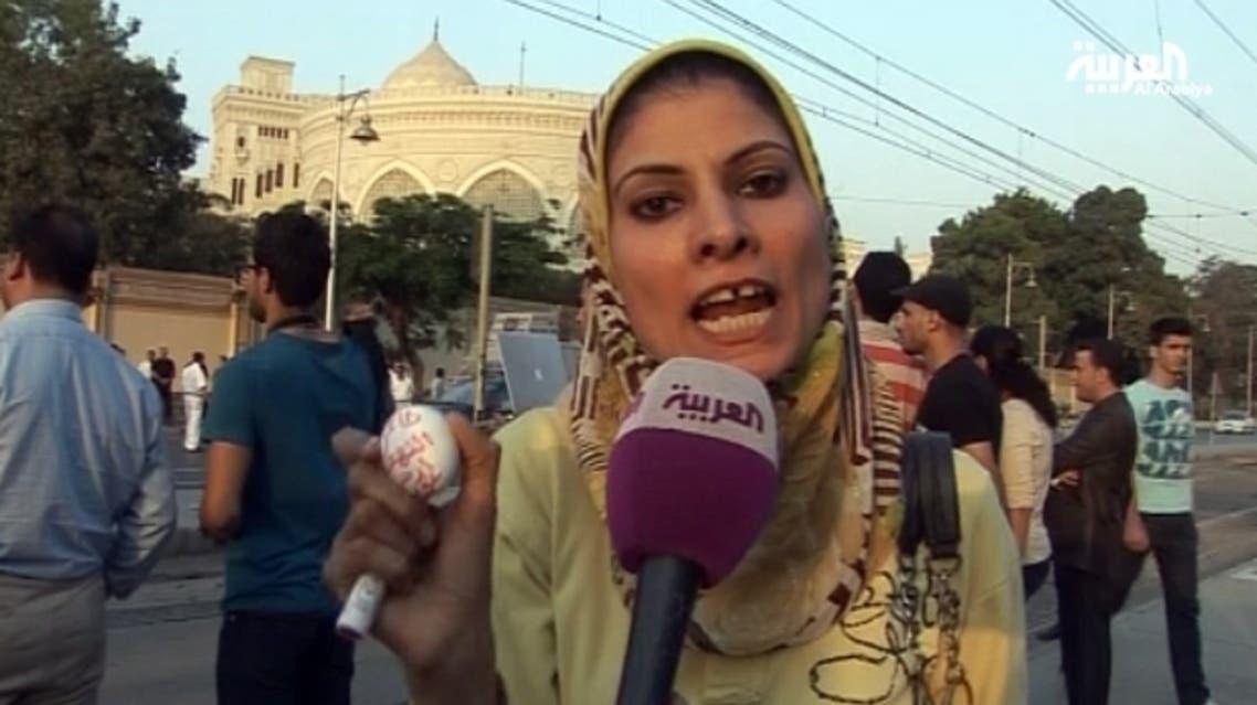 متظاهرين ألقوا البيض على قصر الاتحادية في مصر