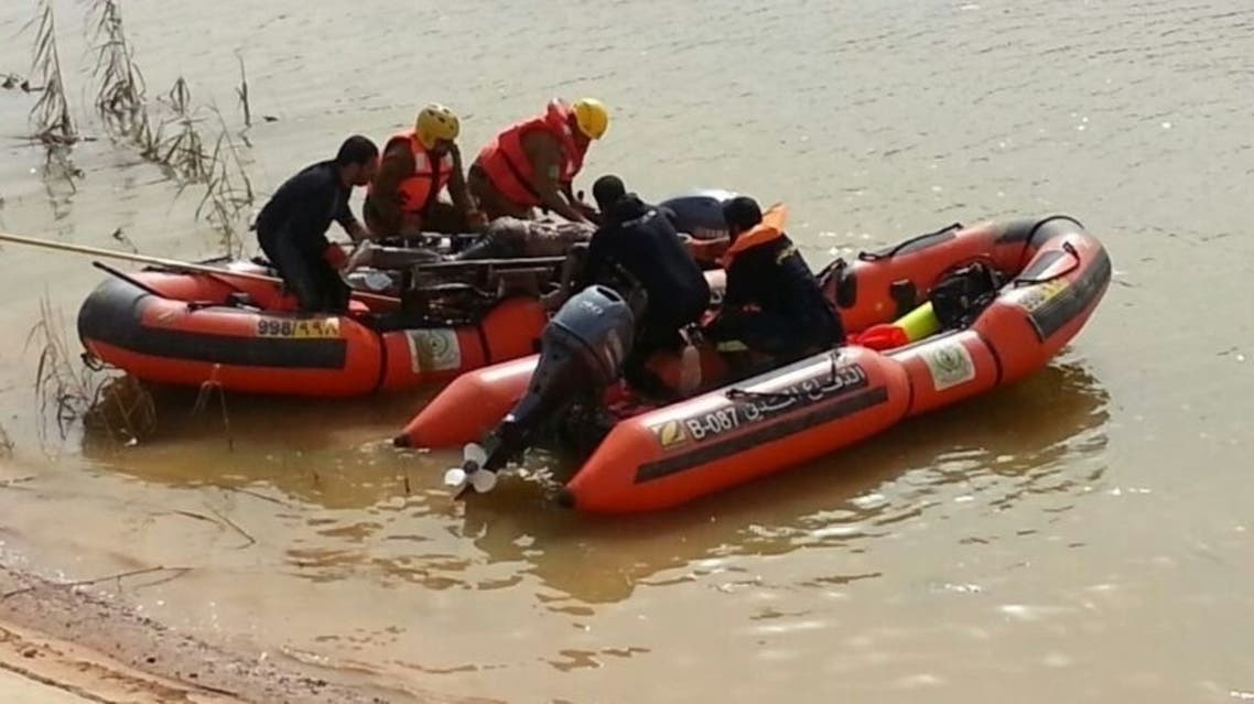 الدفاع المدني في حائل يعثر على جثة مفقود الأمطار