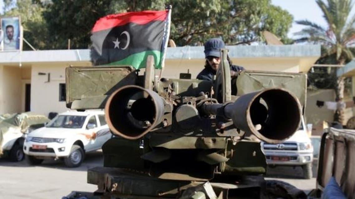 جندي في الجيش الليبي بمدينة بنغازي