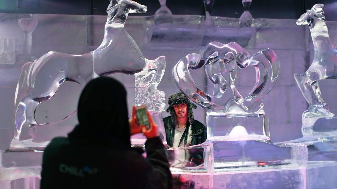 Gulf tourists beat the heat in ice cafe