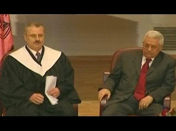 أبو مازن يكلف رامي حمد الله بتشكيل حكومة فلسطينية جديدة