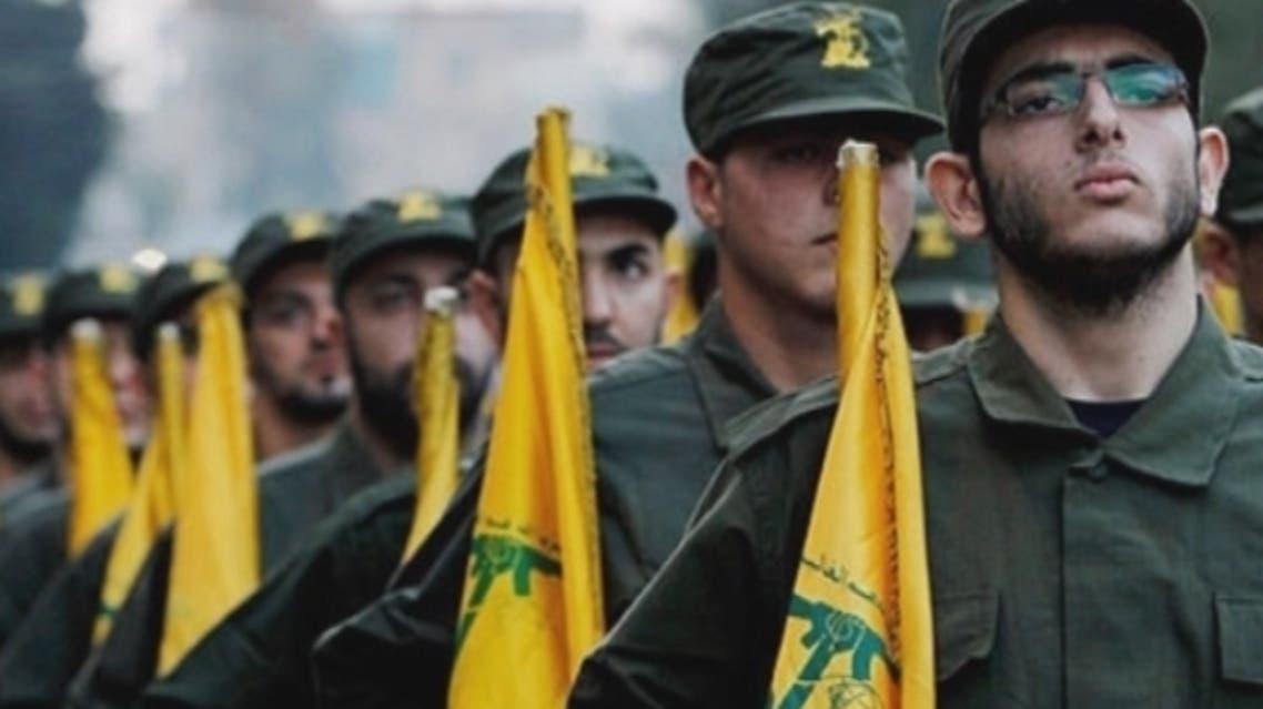 مقاتلون من حزب الله في استعراض عسكري في لبنان