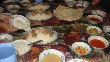 عراقيون يتحدون التفجيرات بحثاً عن أكلاتهم الموروثة