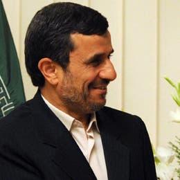 أحمدي نجاد بعد سجن مساعده: القضاء أس الفساد