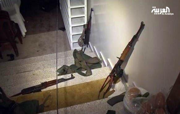 اسلحة في مسجد بلال بن رباح حيث تحصن الاسير وانصاره