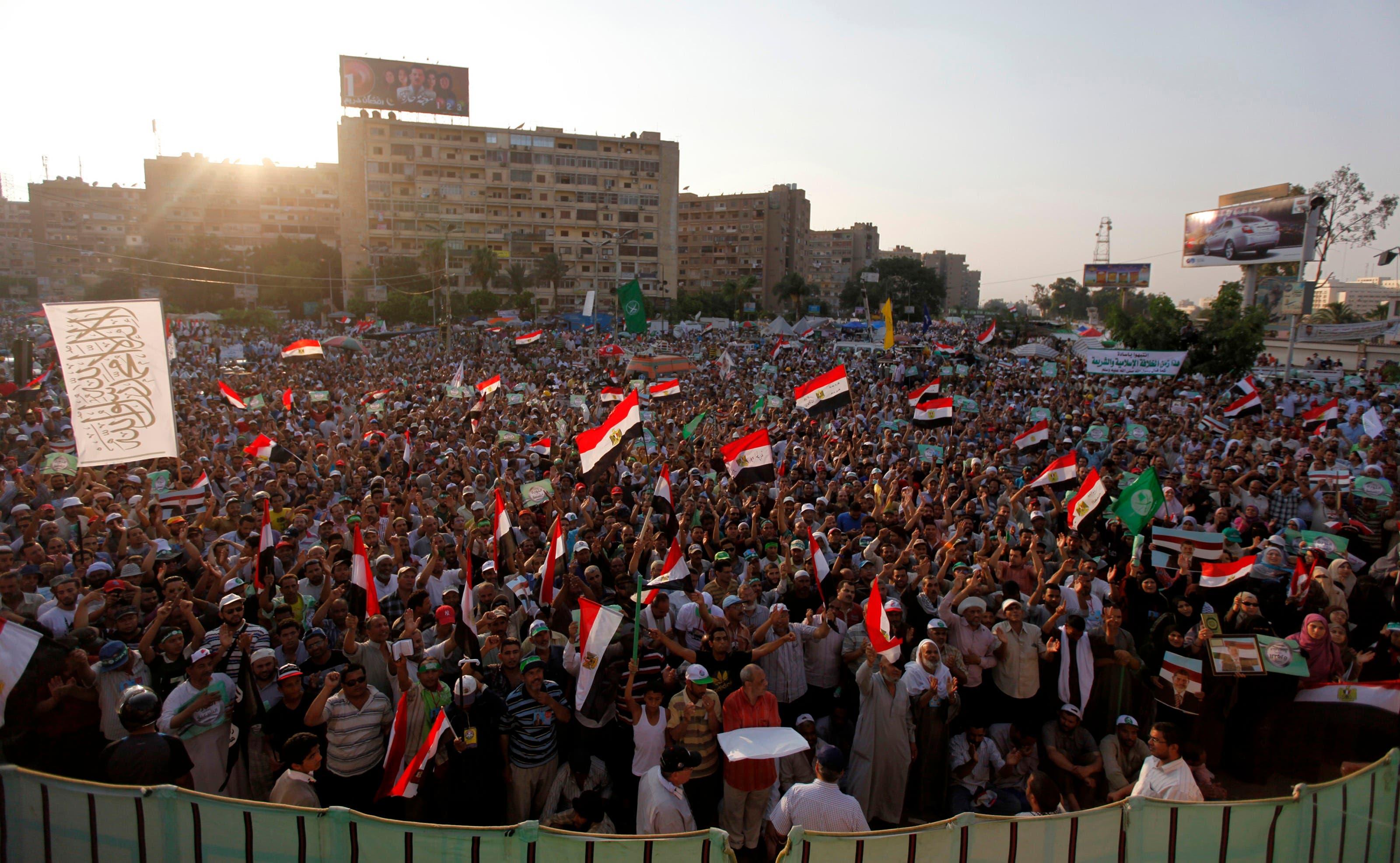متظاهرون في ساحة رابعة العدوية
