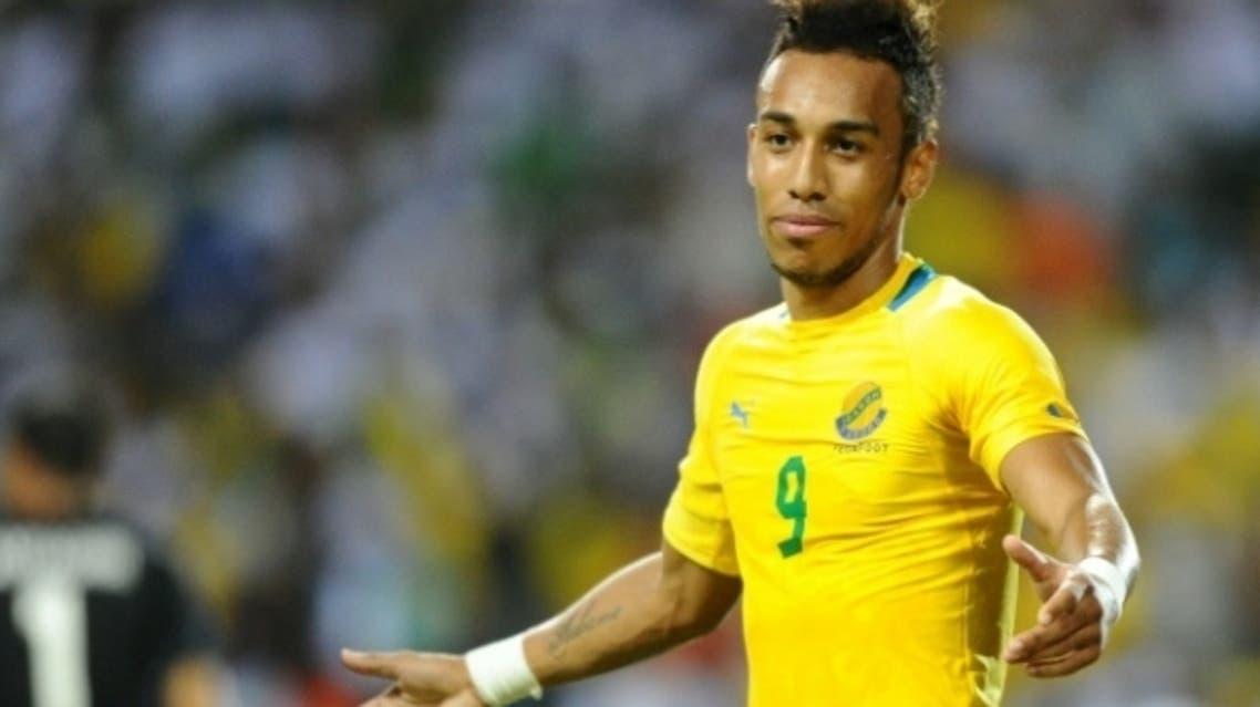 """اللاعب الدولي الغابوني بيار أومامينانغ الملقب بـ"""" نيمار"""" إفريقيا"""